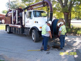 Wastewater collection truck